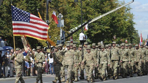 Militares estadounidenses en Polonia durante el Día del Ejército polaco - Sputnik Mundo