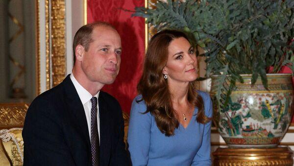 El príncipe William y su esposa Kate, duquesa de Cambridge - Sputnik Mundo