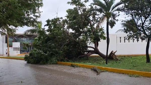 Así quedó Cancún tras el impacto del huracán Delta - Sputnik Mundo