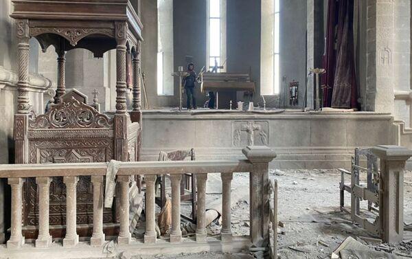 La catedral histórica de Ghazanchetsots en la localidad de Shusha de Nagorno Karabaj - Sputnik Mundo
