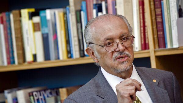 Mario Molina, el primer mexicano en recibir el Premio Nobel de Química - Sputnik Mundo