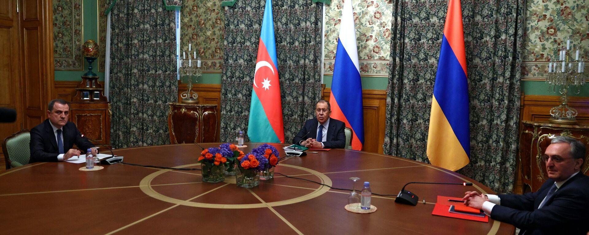 Las negociaciones entre los cancilleres de Rusia, Armenia y Azerbaiyán sobre Karabaj  - Sputnik Mundo, 1920, 18.05.2021
