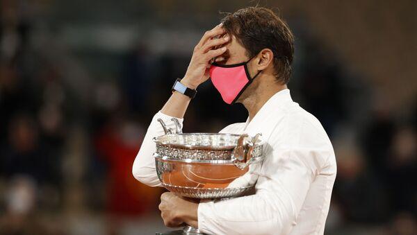 Rafael Nadal celebra la victoria en el Roland Garros - Sputnik Mundo