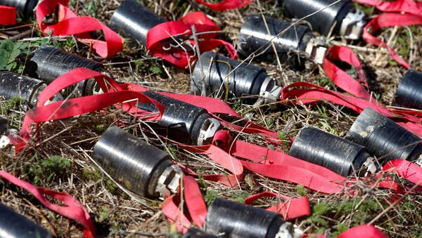 Proyectiles sin explotar hallados en Stepanakert, Nagorno Karabaj - Sputnik Mundo