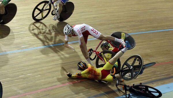 Ciclista cayéndose (imagen referencial) - Sputnik Mundo