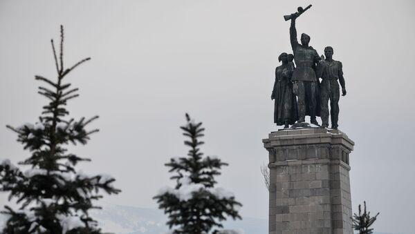 El monumento al Ejército Soviético en la ciudad de Sofía - Sputnik Mundo