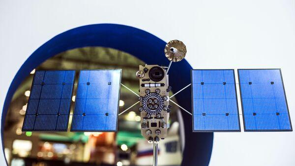 Maqueta del satélite ruso Glonass-K - Sputnik Mundo