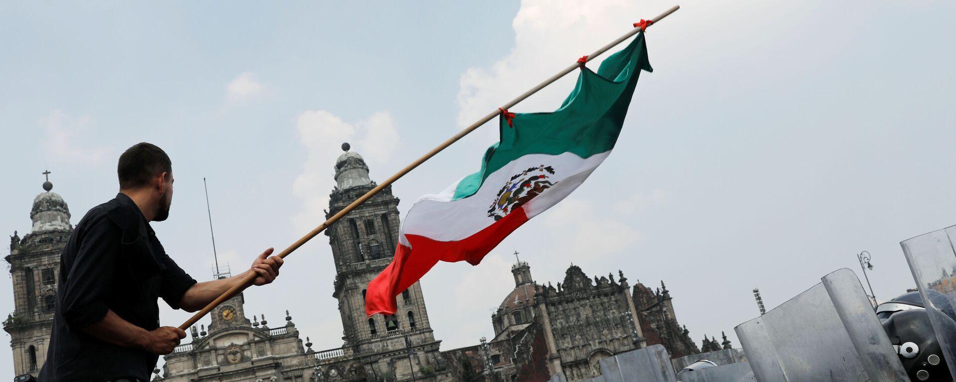 Protesta contra el presidente de México, Andrés Manuel López Obrador - Sputnik Mundo, 1920, 13.10.2020