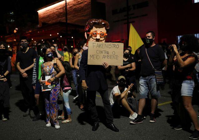 Protesta contra Ricardo Salles, ministro de Medio Ambiente de Brasil