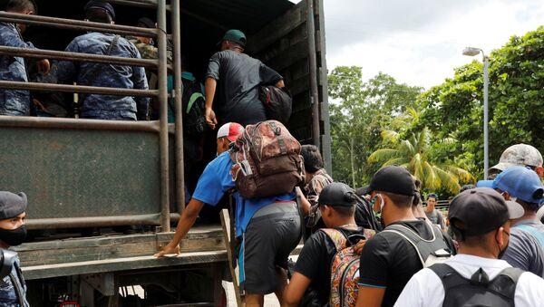 Migrantes de Honduras en Guatemala (Archivo) - Sputnik Mundo