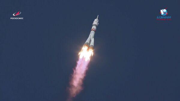 El lanzamiento de la nave Soyuz MS-17 - Sputnik Mundo
