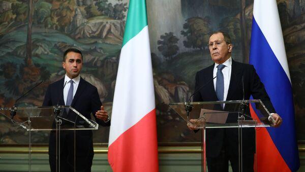 El canciller de Italia, Luigi Di Maio, y el canciller de Rusia, Serguéi Lavrov - Sputnik Mundo