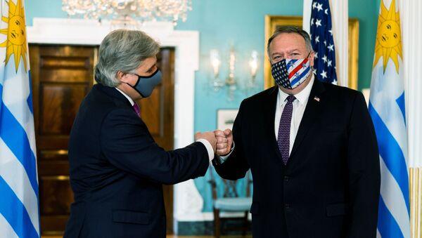 Canciller de Uruguay, Francisco Bustillo, y secretario de Estado de EEUU, Mike Pompeo - Sputnik Mundo