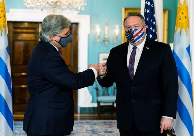 Canciller de Uruguay, Francisco Bustillo, y secretario de Estado de EEUU, Mike Pompeo
