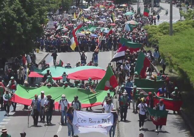 La marcha de Cali: miles de indígenas protestan en Colombia