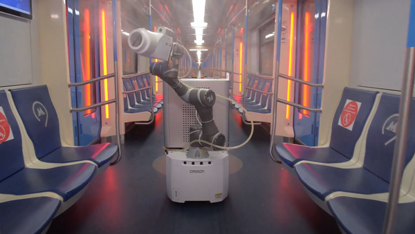 El robot Gardy Metrobot en el metro de Moscú - Sputnik Mundo