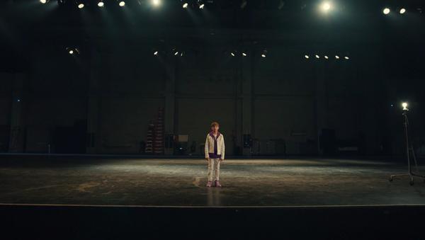 Jacob Tremblay interpreta Justin Bieber en el videoclip de la canción 'Lonely' - Sputnik Mundo