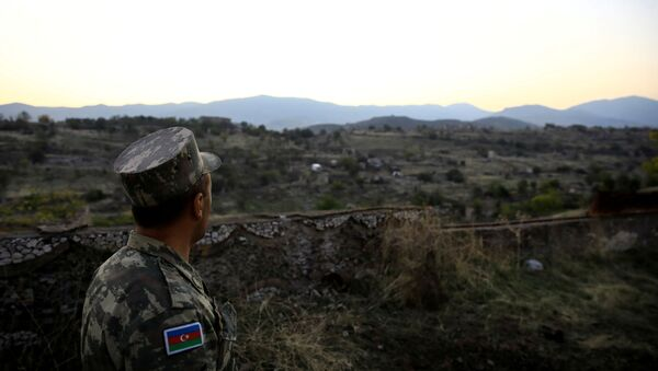 Un soldado azerí - Sputnik Mundo