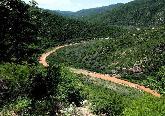 El río Sonora, contaminado por el derrame tóxico de la mina Buenavista del Cobre (archivo)