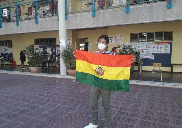 El 18 de octubre, bolivianos residentes en Chile ejercieron su voto desde el exterior.