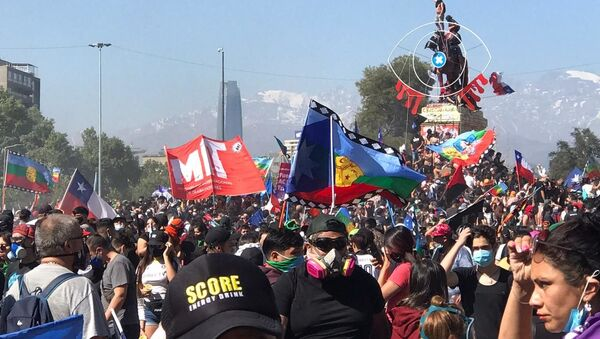 Manifestación en Santiago, Chile - Sputnik Mundo