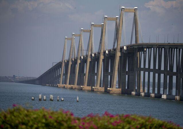 Puente Rafael Urdaneta, que atraviesa el lago de Maracaibo