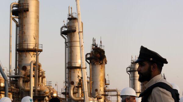 Una instalación petrolera de Saudi Aramco - Sputnik Mundo