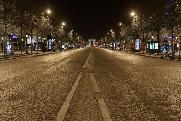 ¿Te imaginas estar en una París vacía?       - Sputnik Mundo