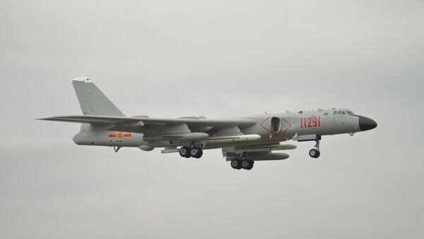 Un bombardero H-6K - Sputnik Mundo