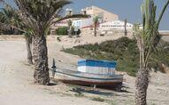 Una playa de la isla española de Tabarca
