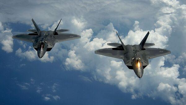 Aviones de combate F-22 estadounidenses  - Sputnik Mundo