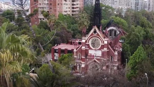 Así se ven las iglesias destrozadas en Chile - Sputnik Mundo