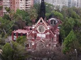Así se ven las iglesias destrozadas en Chile