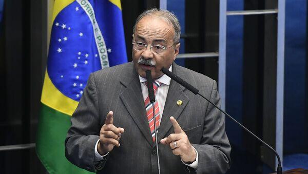 El senador brasileño, Chico Rodrigues  - Sputnik Mundo
