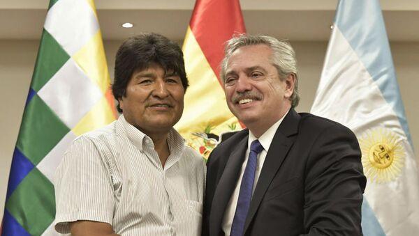 El expresidente boliviano, Evo Morales, junto al presidente de Argentina, Alberto Fernández - Sputnik Mundo