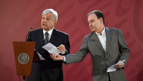 El presidente de México, Andrés Manuel López Obrador, y ya exsecretario de Seguridad Pública, Alfonso Durazo - Sputnik Mundo