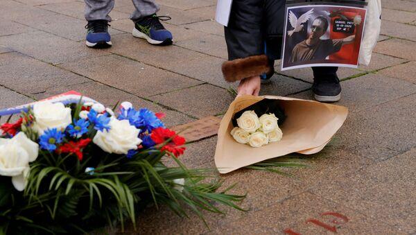 Homenaje al profesor francés Samuel Paty, asesinado en París - Sputnik Mundo