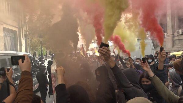 Estudiantes universitarios participaron en Barcelona en una huelga contra la precariedad del sector educativo - Sputnik Mundo