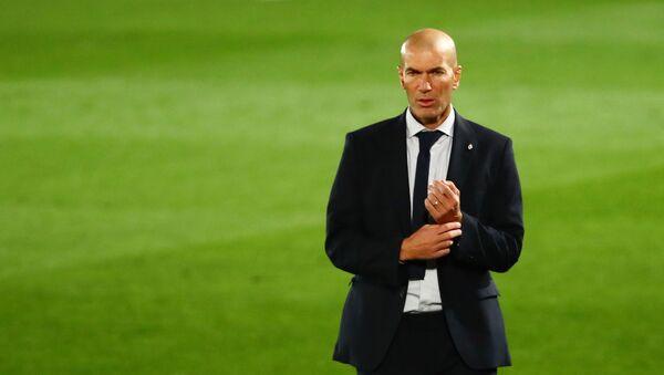 Zidane en el estadio Alfredo Di Stefano en Madrid - Sputnik Mundo