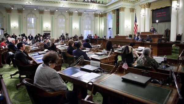 Una sesión del Colegio Electoral de California en 2016 - Sputnik Mundo