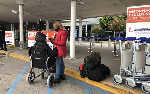 El Aeropuerto Internacional de Ezeiza retomó sus actividades - Sputnik Mundo