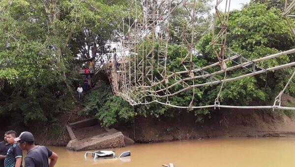 Desplome de puente colgando en Necoclí, Antioquia - Sputnik Mundo