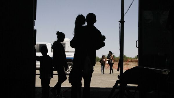 Niños migrantes (imagen referencial) - Sputnik Mundo