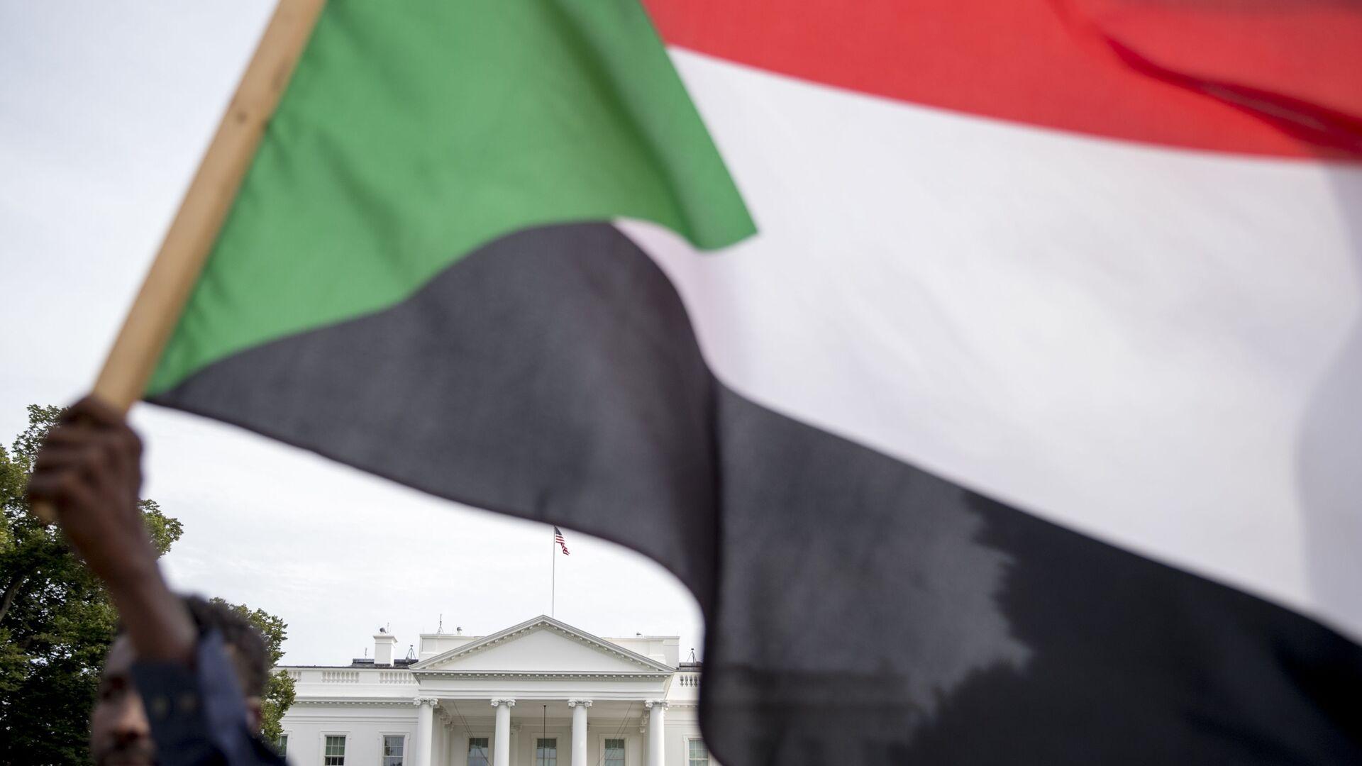 Bandera de Sudán - Sputnik Mundo, 1920, 01.06.2021