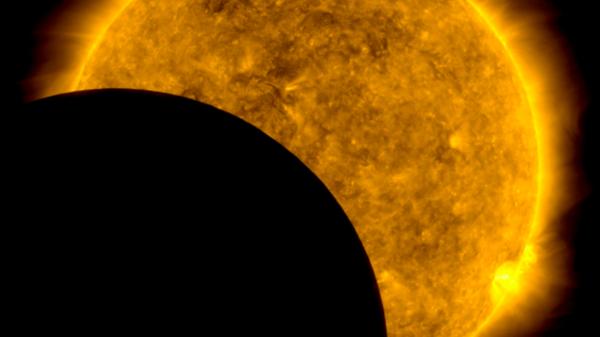 El cruce de la Luna y el Sol  - Sputnik Mundo