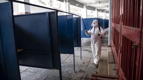 Medidas sanitarias en el referéndum de Chile 2020 - Sputnik Mundo