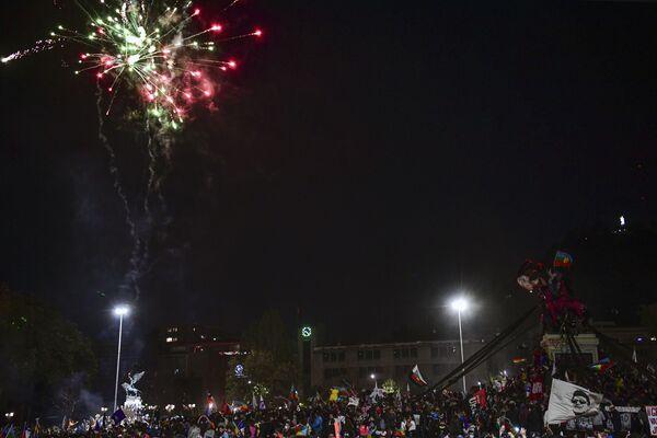 La victoria del 'sí' en el plebiscito constitucional de Chile, en imágenes   - Sputnik Mundo