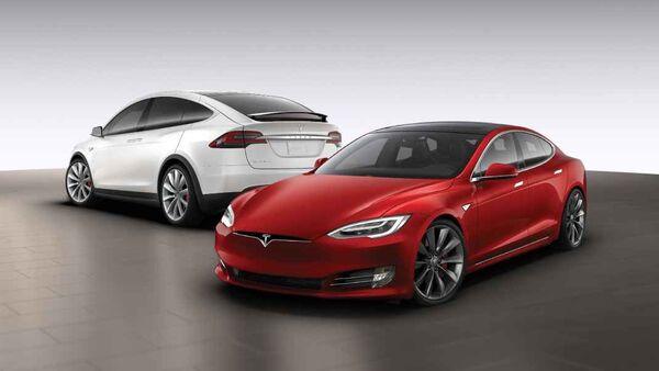Ilustración de Tesla Model S y Model X - Sputnik Mundo