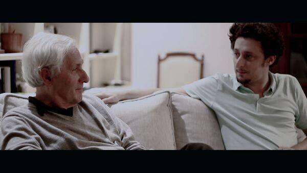 Jon Viar e Iñaki Viar, en un fotograma de la película 'Traidores' - Sputnik Mundo