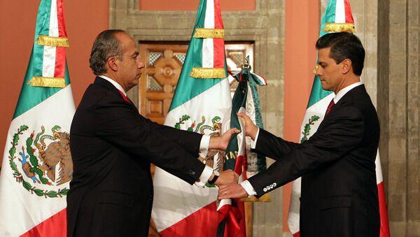 Felipe Calderón y Enrique Peña Nieto, expresidentes de México - Sputnik Mundo